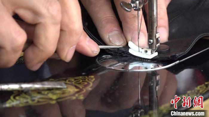 一针一线铸就工匠精神:探访六旬老人裁缝生涯四十载背后的故事