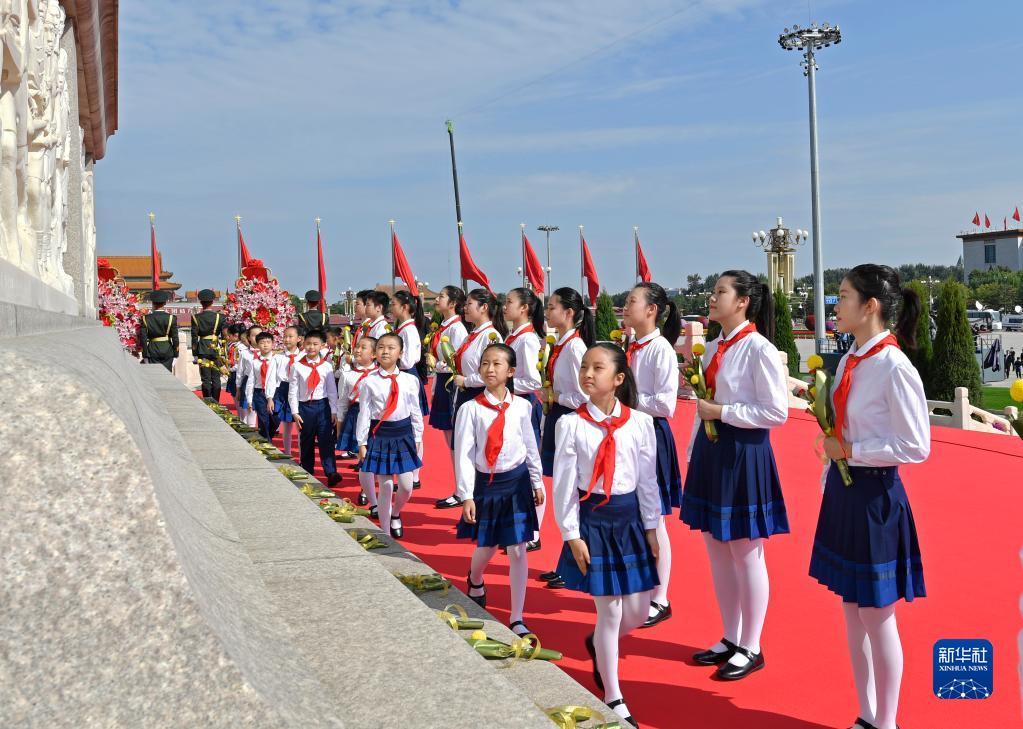 祖国和人民不会忘记——写在第八个烈士纪念日之际